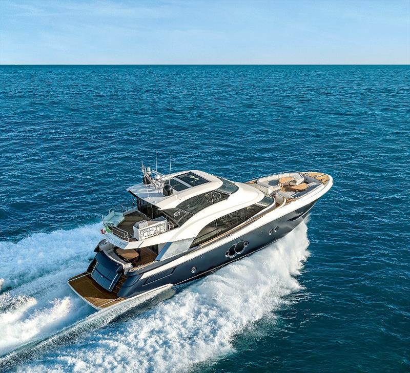 Yacht Beneteau MCY 76